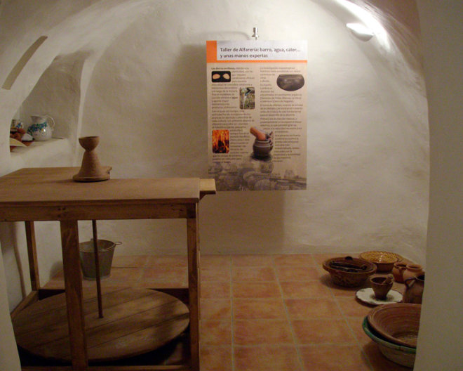 Casas-cueva del entorno del Castillo de Nogalte