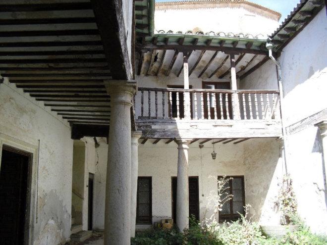 Consolidación del antiguo hospital de la la orden de Santiago en Horcajo